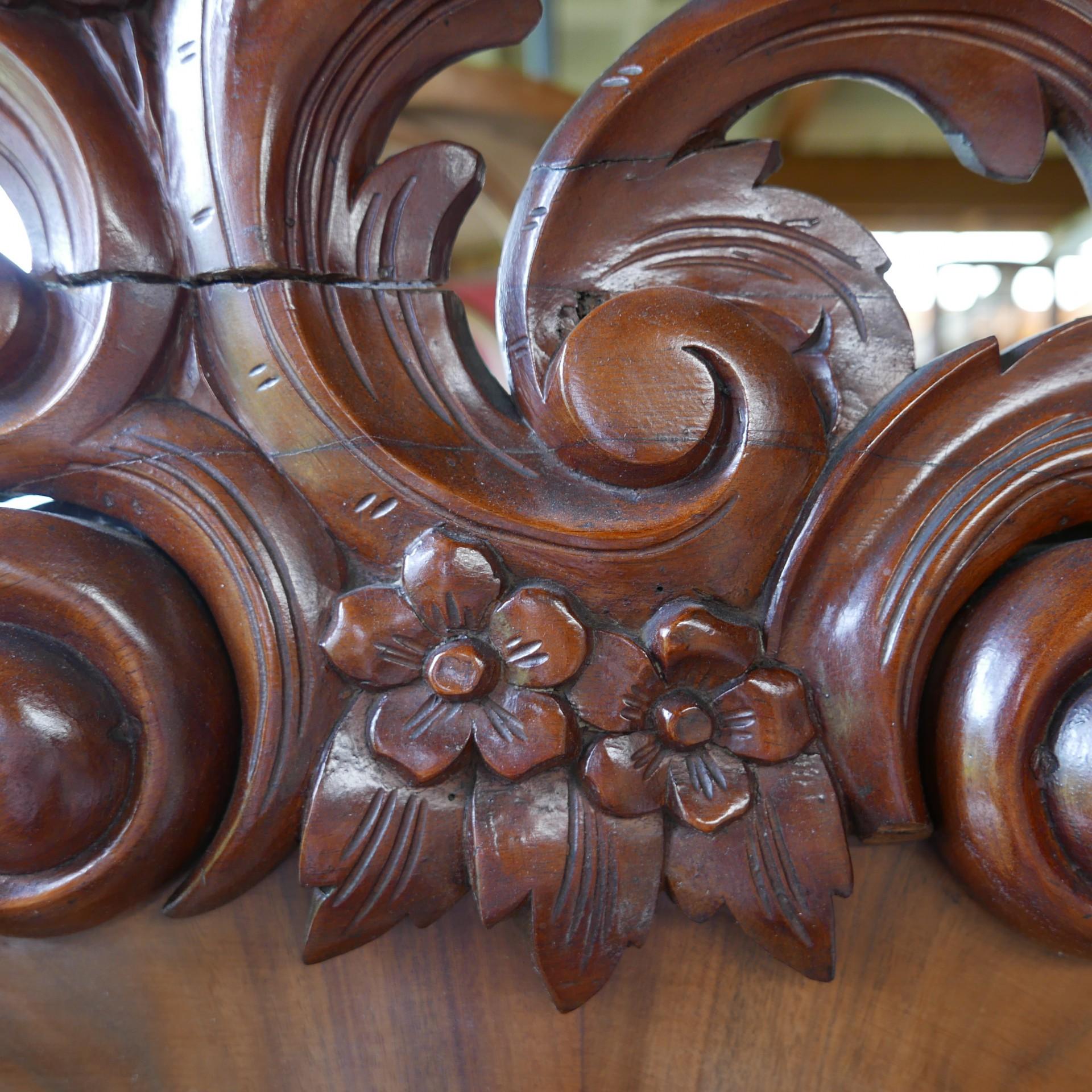 Antieke Barok Kast Met Kuif