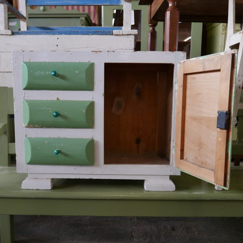 Groen-wit retro kastje