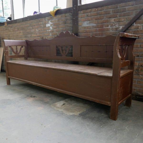 Hongaarse houten klepbank opbergruimte
