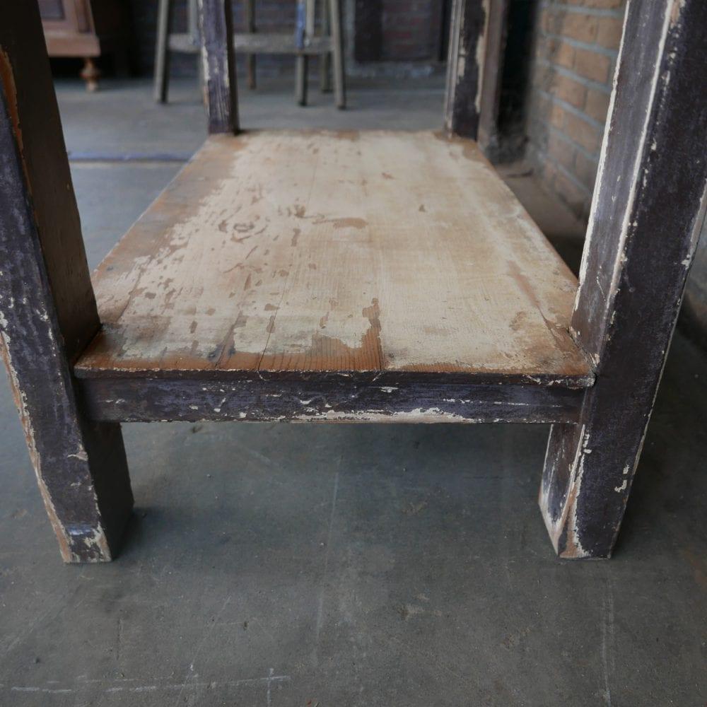 bruine tafel met onderblad