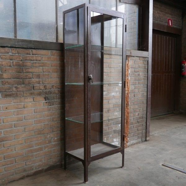 Industriële vitrinekast