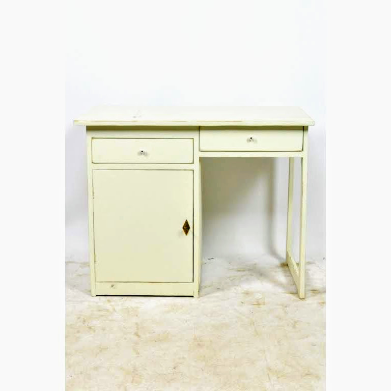 Vintage wit bureau