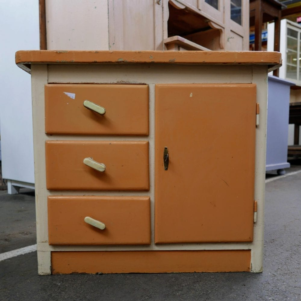 Oranje kastje
