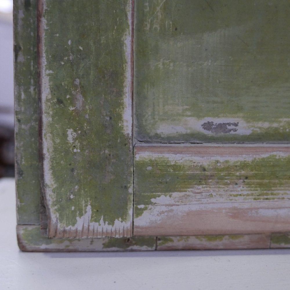 Groen hangkastje