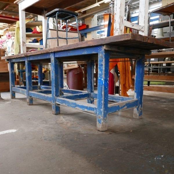 industriële blauwe werktafel
