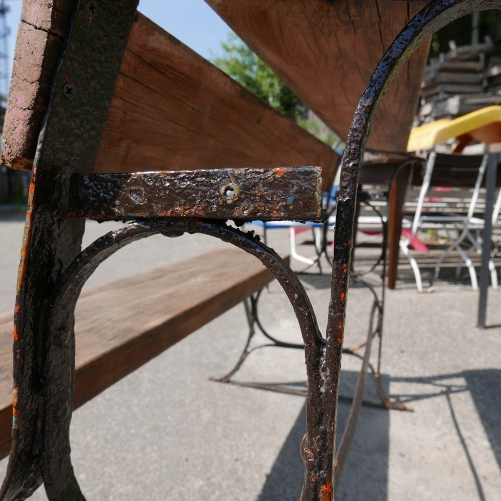 Houten bank gietijzeren frame