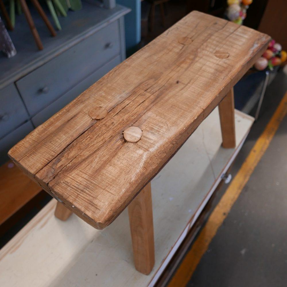 houten kruk bankje