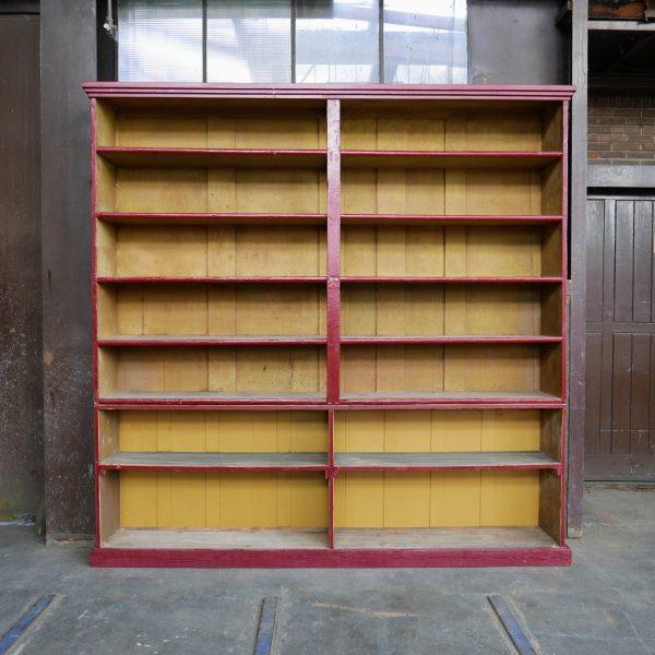 Rood-gele winkelkast