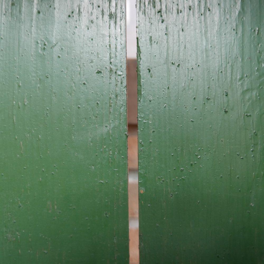 Houten groene keukenkast