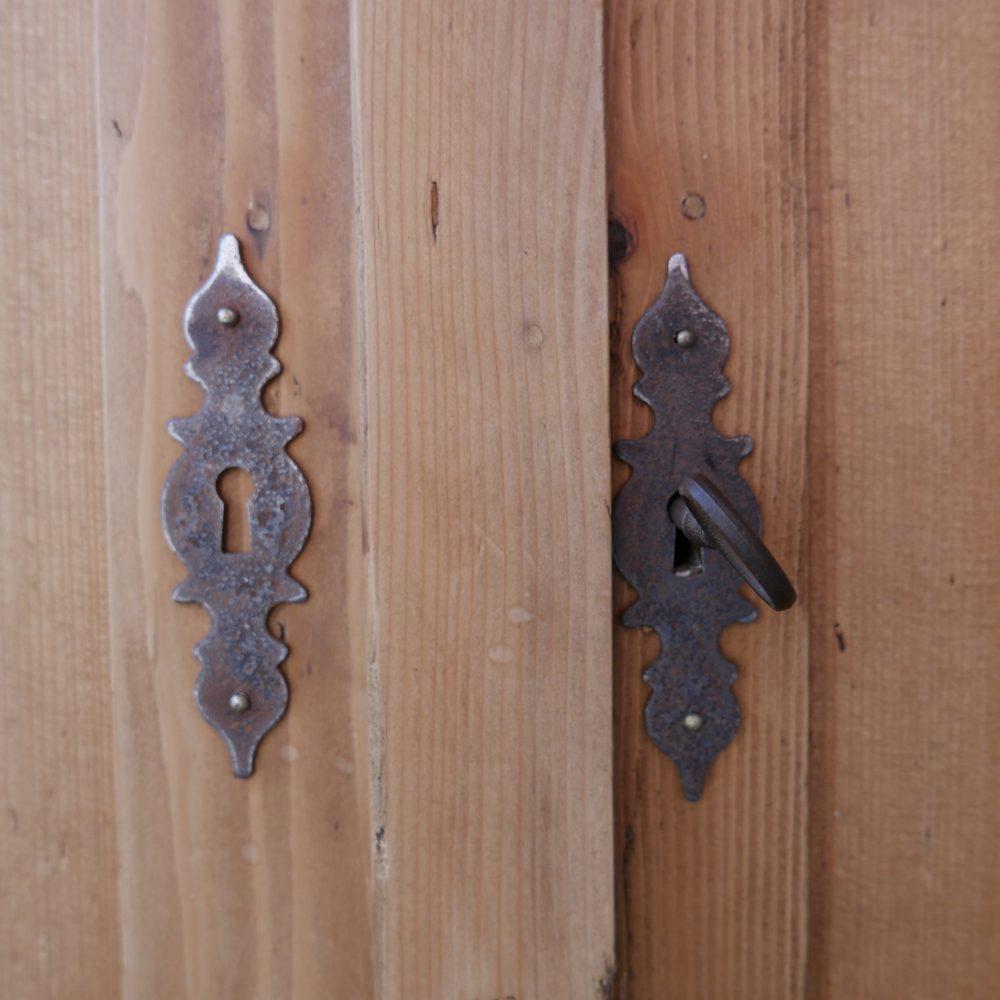 houten brocante dressoir