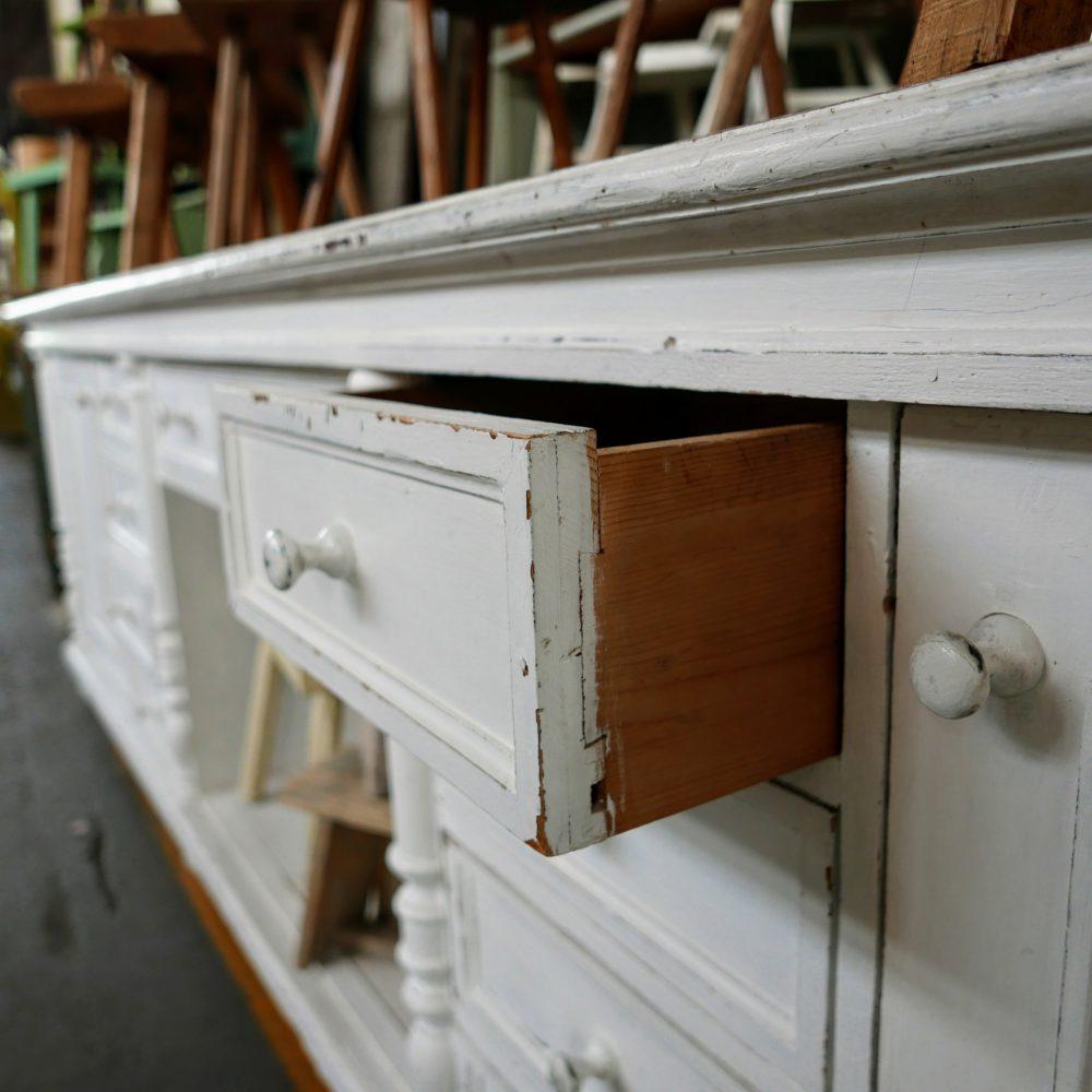 Brocante wit houten toog