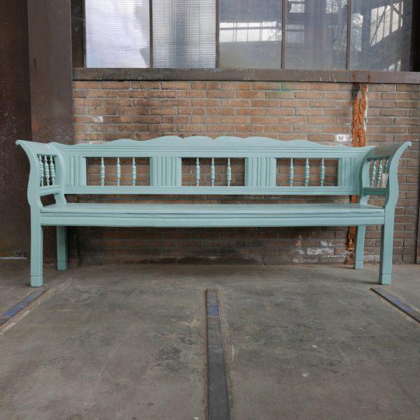 Turquoise bank