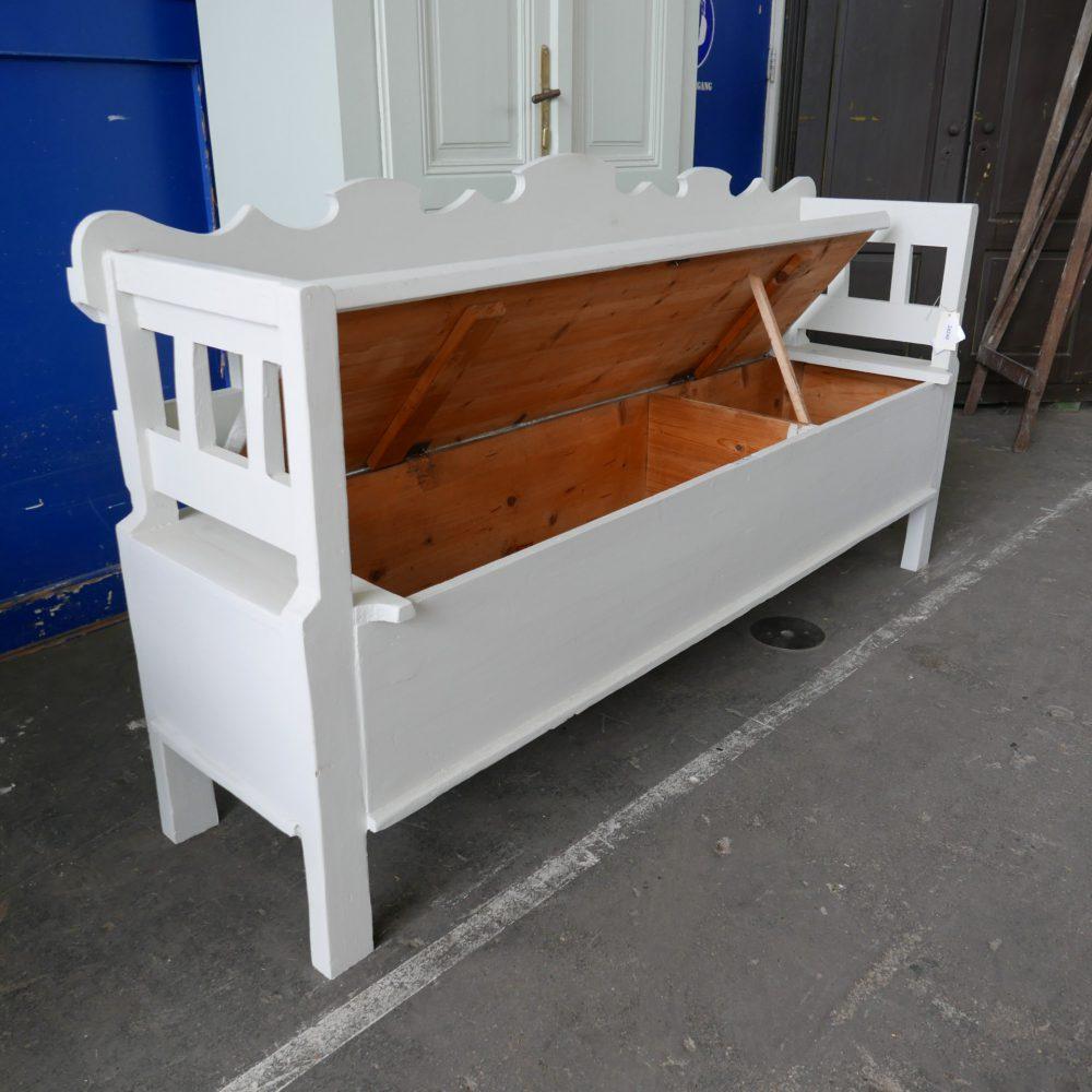 Witte klepbank