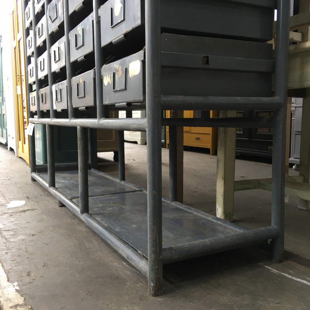 Industriële metalen ladekast