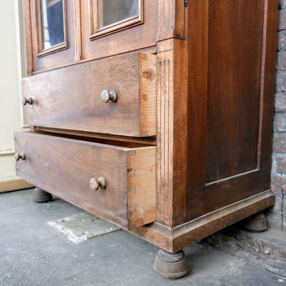 Bruine vintage ladekast