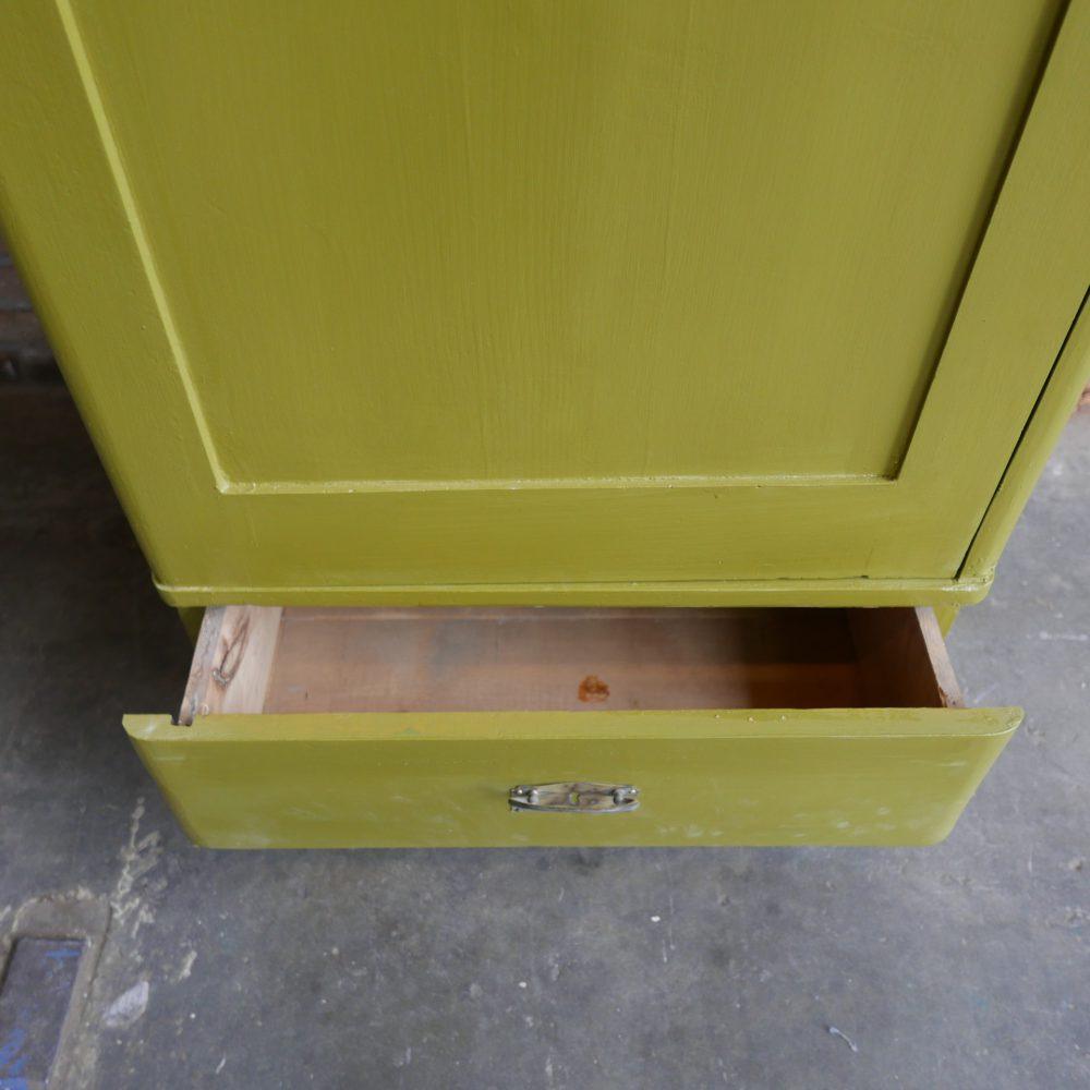 Groene linnenkast