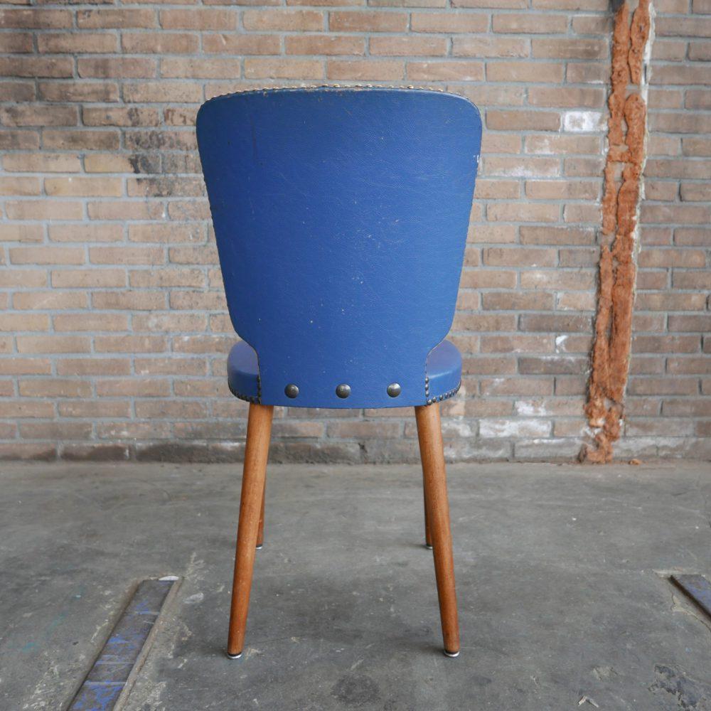 Retro blauwe stoeltje