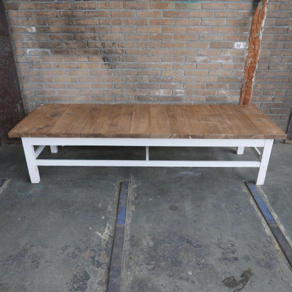 Witte houten salontafel