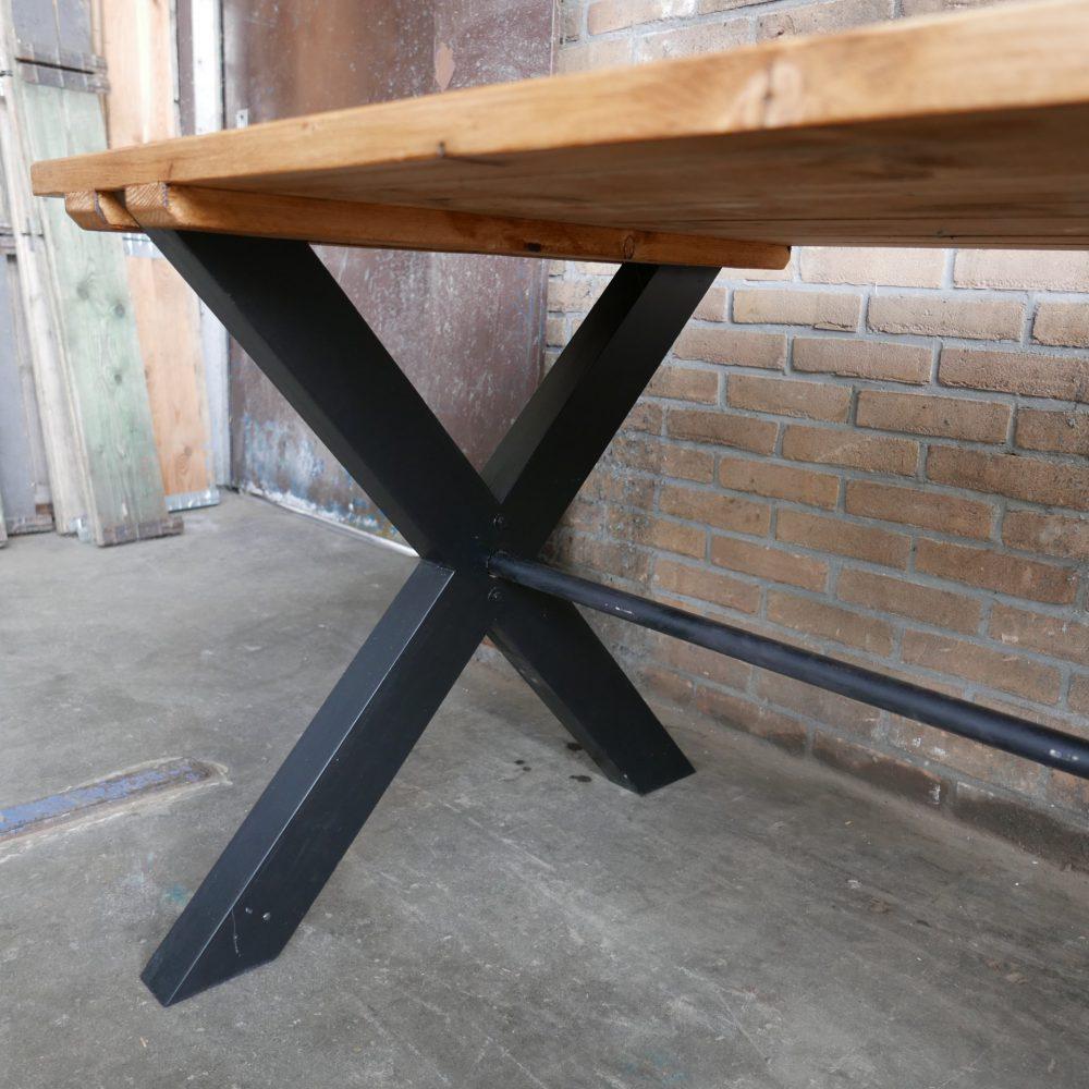 Kruispoot tafel op maat