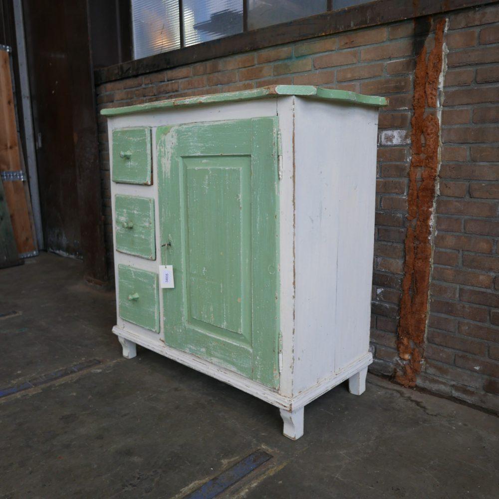 Wit-groene keukenkast