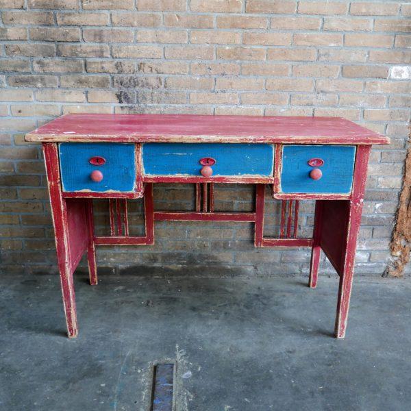Rood-blauwe bureau