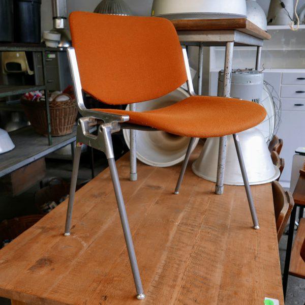 Oranje vintage stoel