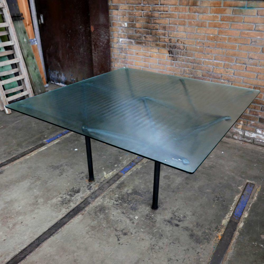 Glazen tafel