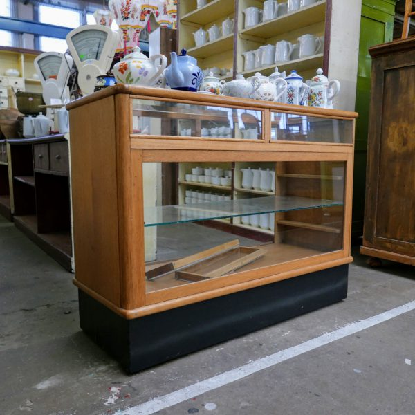 Vintage glazen toonbank