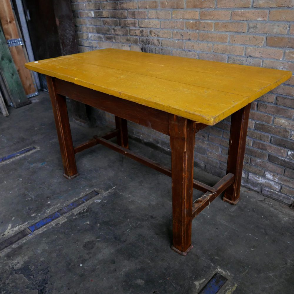 Bruin gele tafel