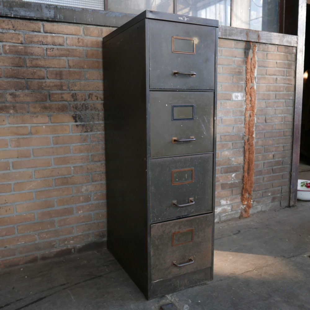 Bruine archiefkast