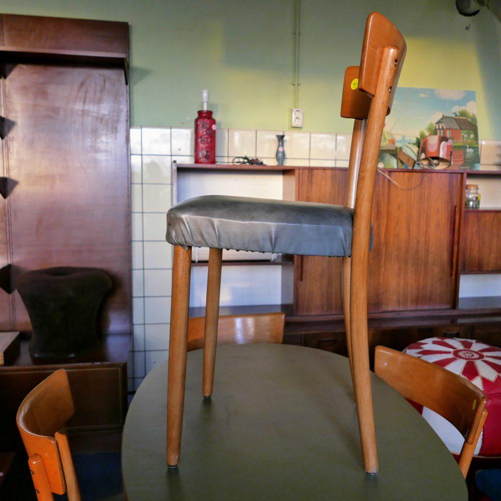 Vintage keukenstoel