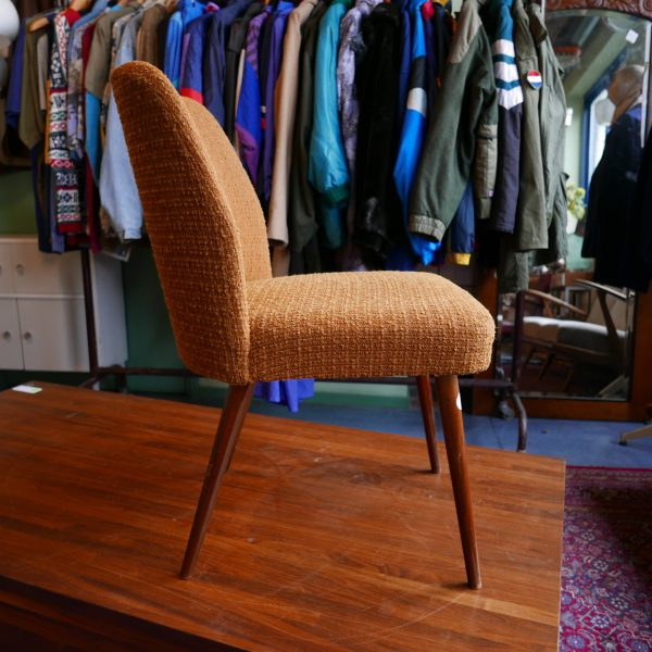 Oranje retro stoel