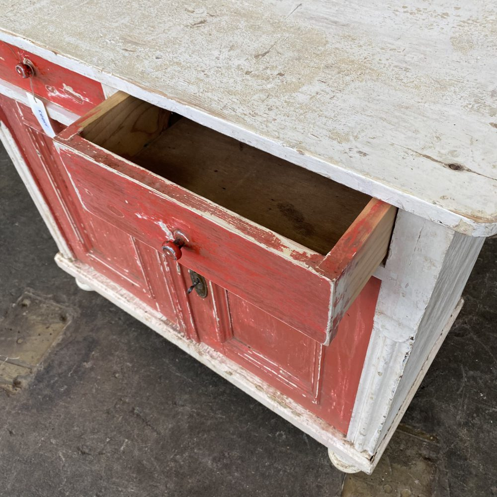 Rode brocante commode