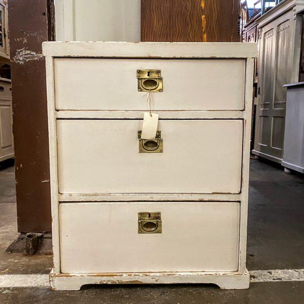 Wit houten ladekastje