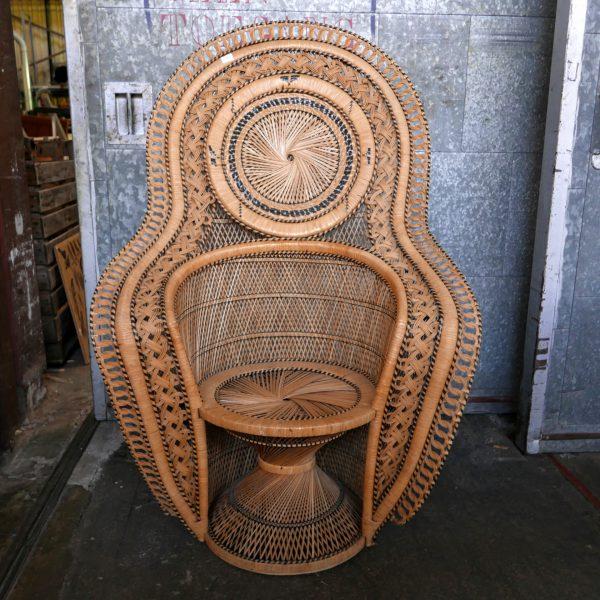 Exotische rotan fauteuil pauwenstoel