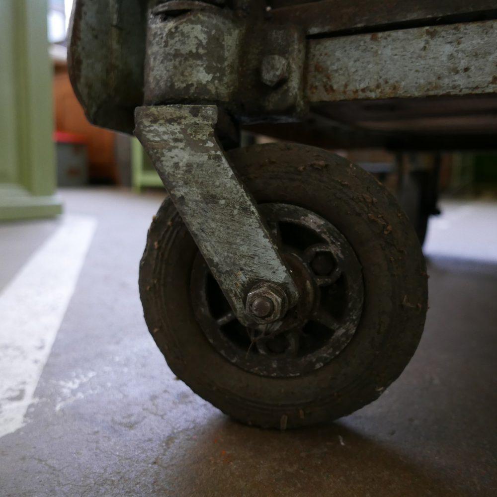 Industriële metalen kar