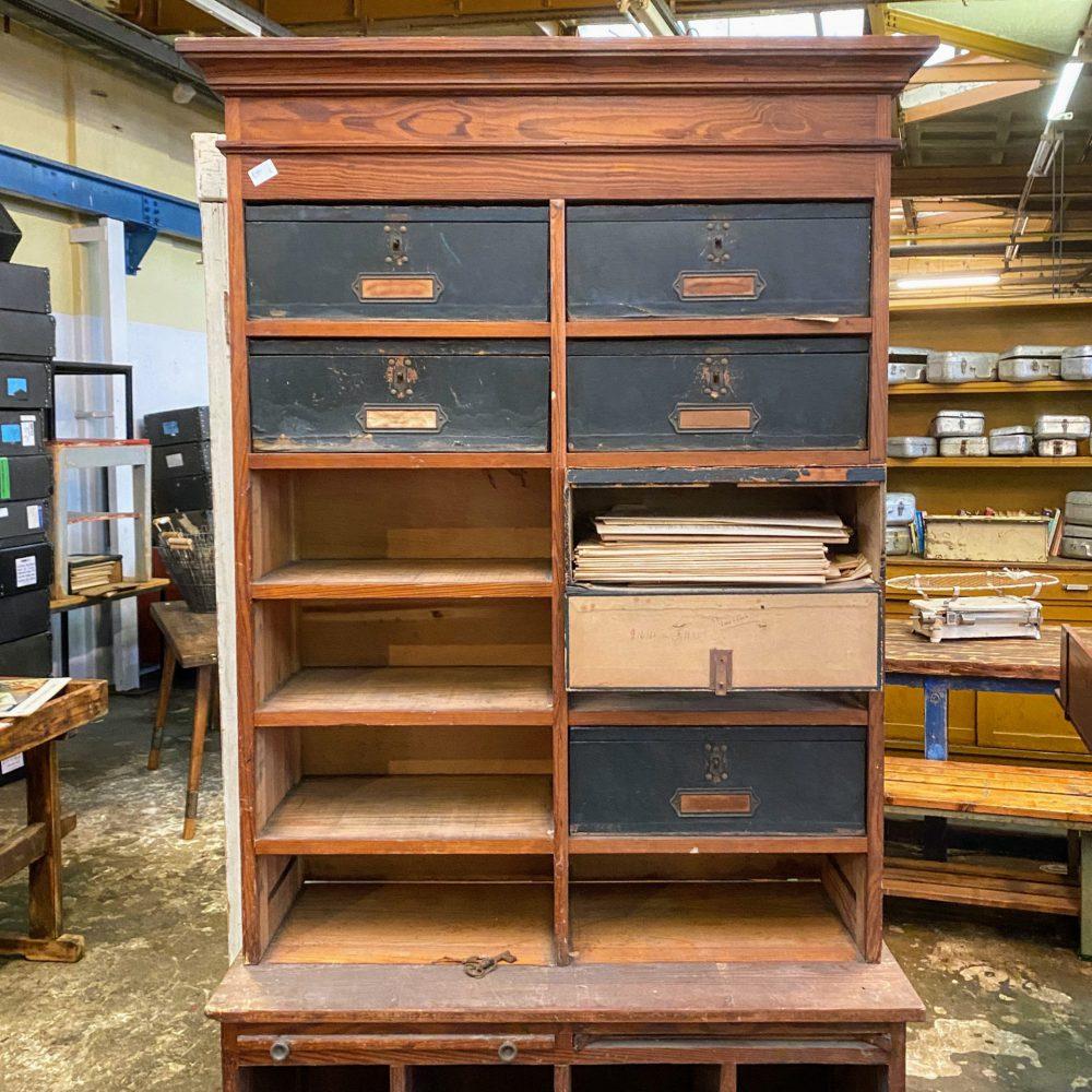 Vintage archiefkast