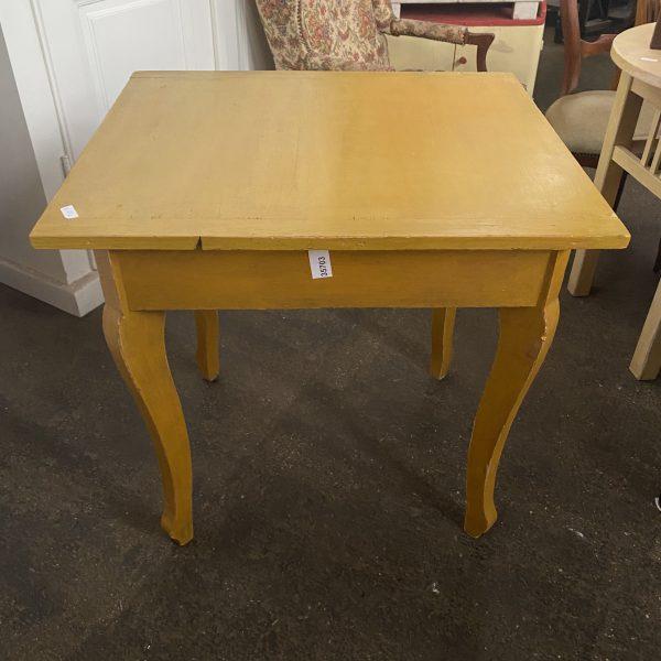 Gele tafel
