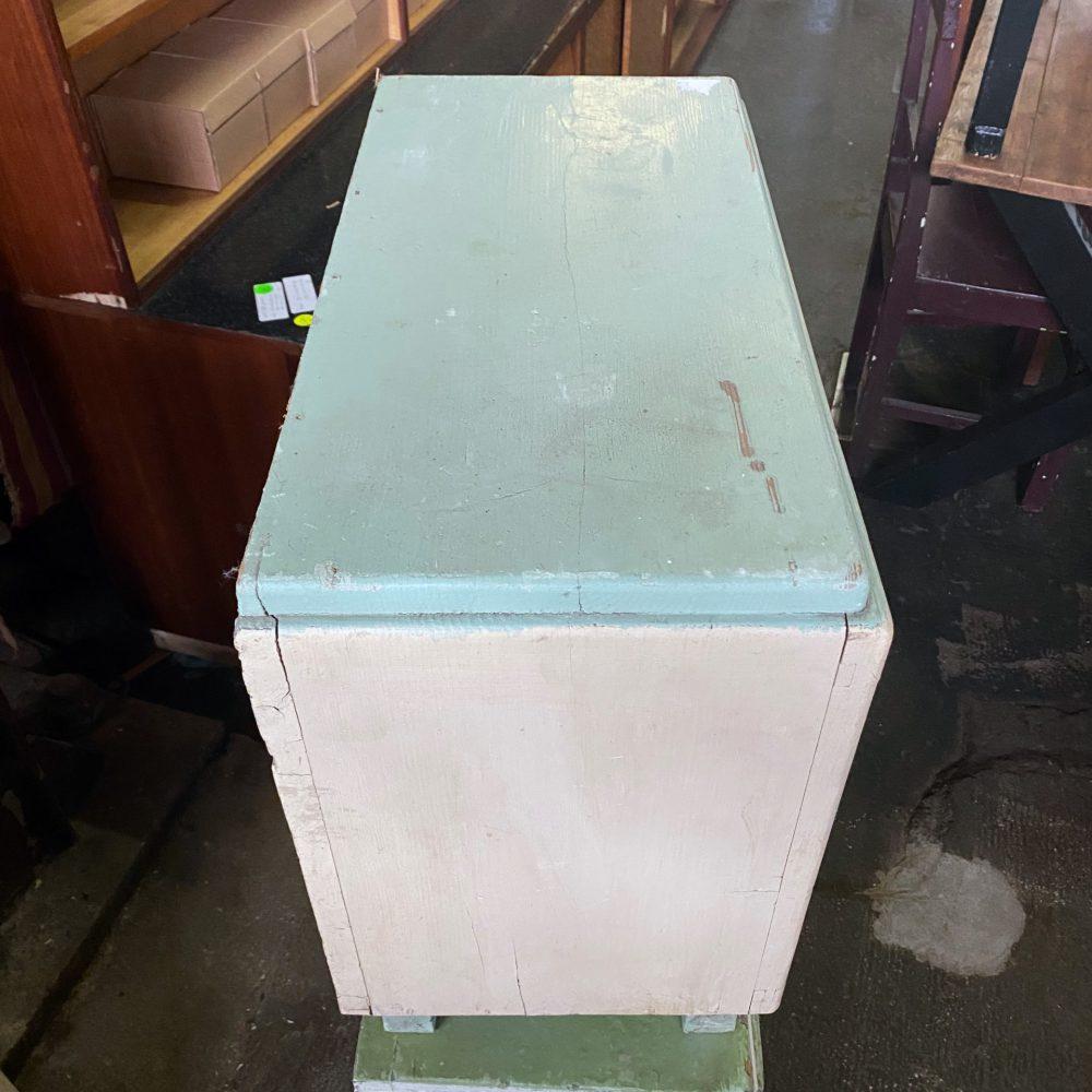 Mint houten kastje