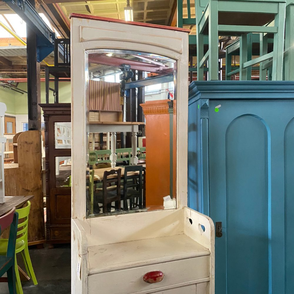 Brocante wit houten spiegelkast