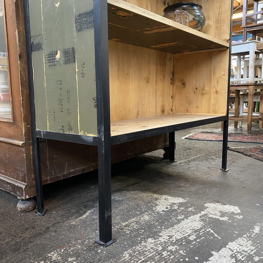Open hout metalen kast