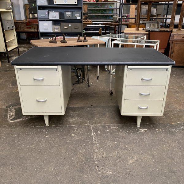 Vintage metalen bureau