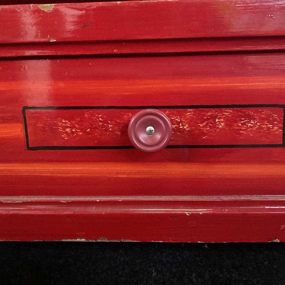 Rode linnenkast