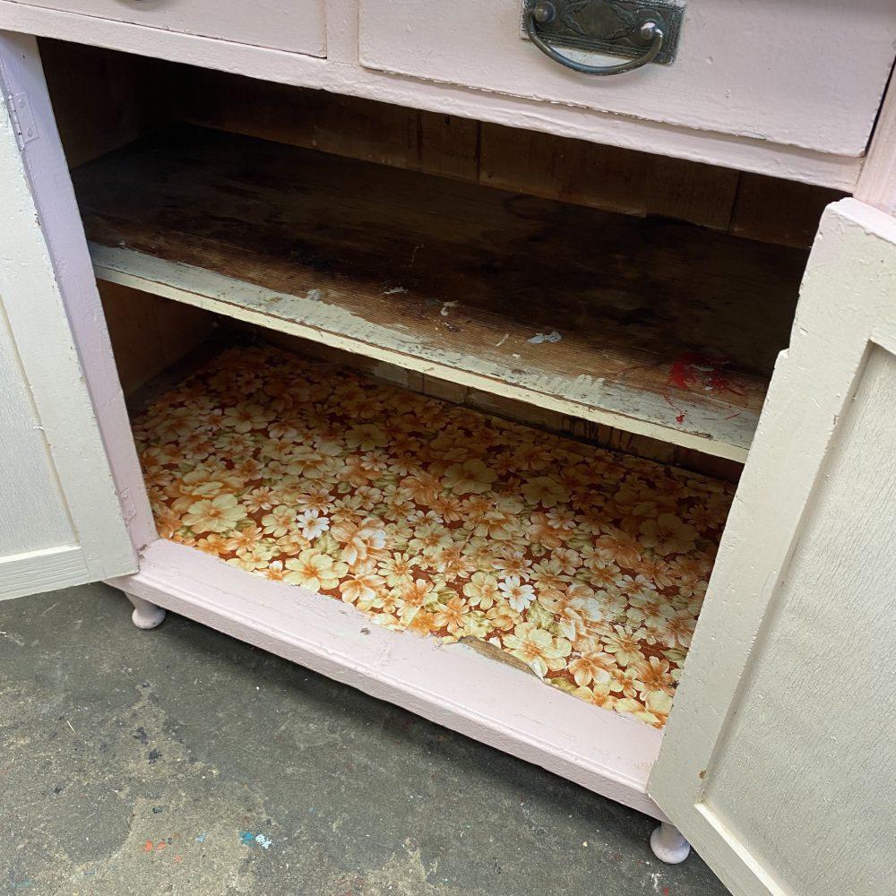 Roze buffetkast