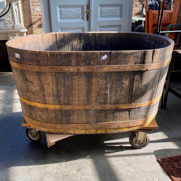 Grote houten tobbe ton badkuip