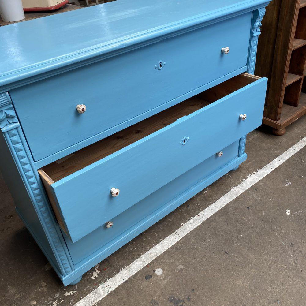 Blauwe ladekast