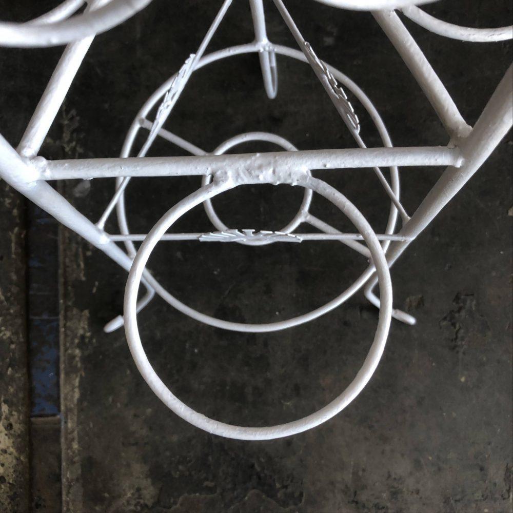Wit metalen plantentafel rek