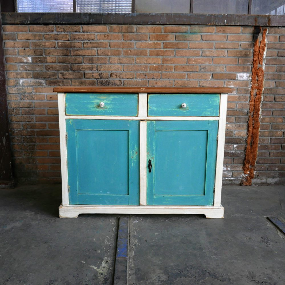 Wit-blauwe commode