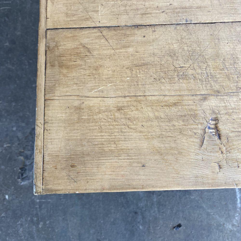 Houten kruispoot werktafel