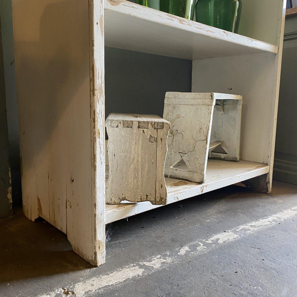 Wit houten open kast rek